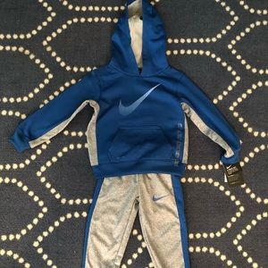 New! Nike Toddler Outfit- 3T NWT